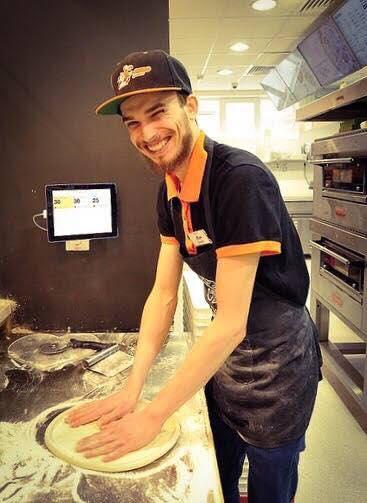 Solomon Daniel la Dodo Pizza